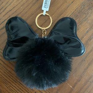 NWT Minnie pompon keychain